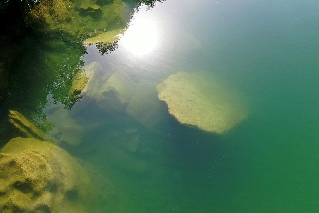 Riflesso sul fiume